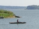 Jezioro Orawskie na tle Beskidów